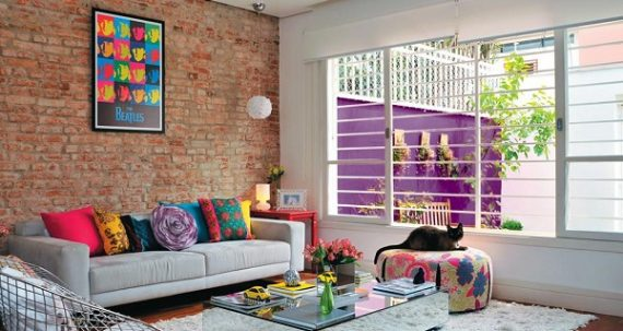 Phối màu bắt mắt cho phòng khách rực rỡ như nắng hè